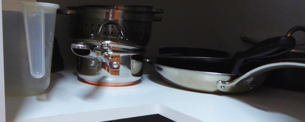 Kitchen - complete set of pots and bowls