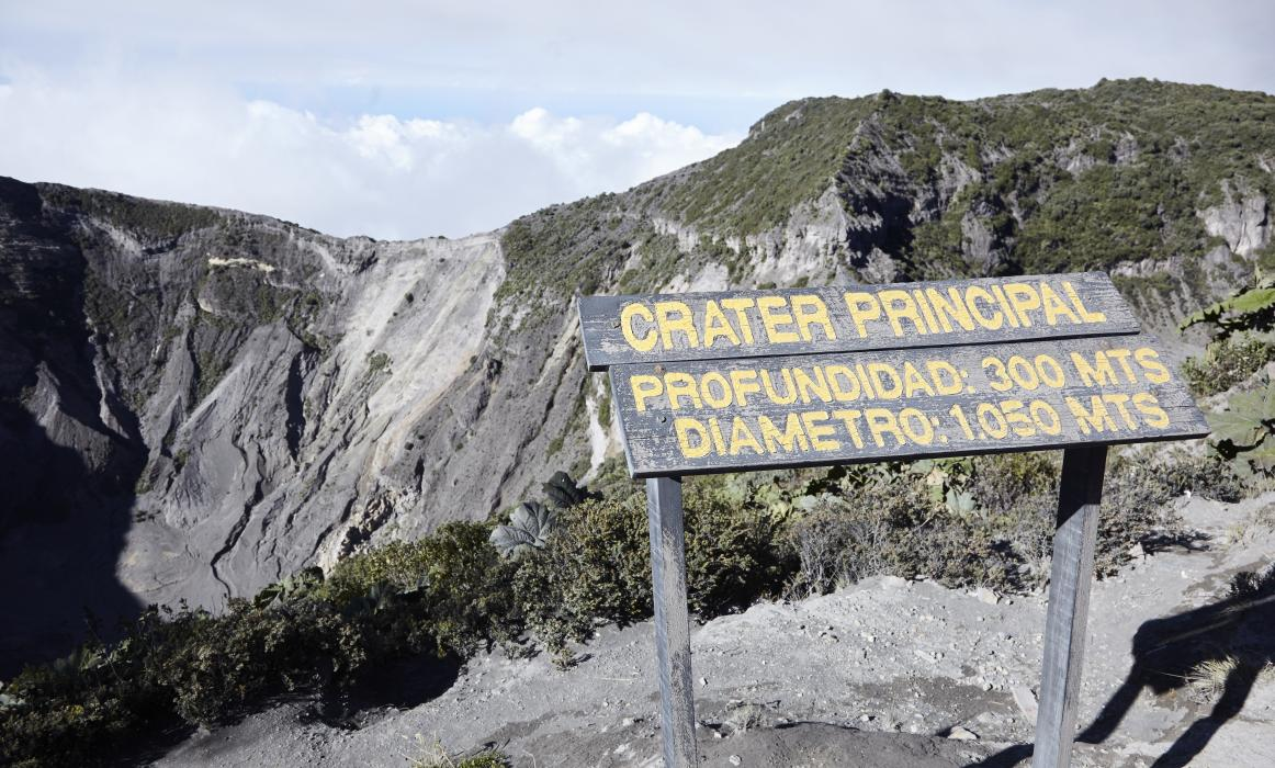 CostaRica_ActiveVolcano_141